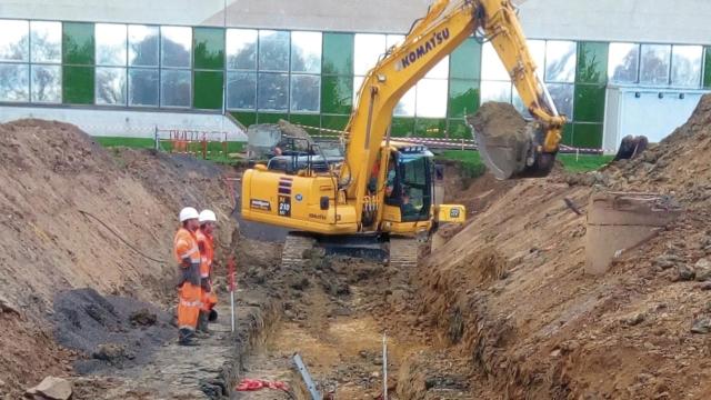 Ouvriers sur chantier d'assainissement